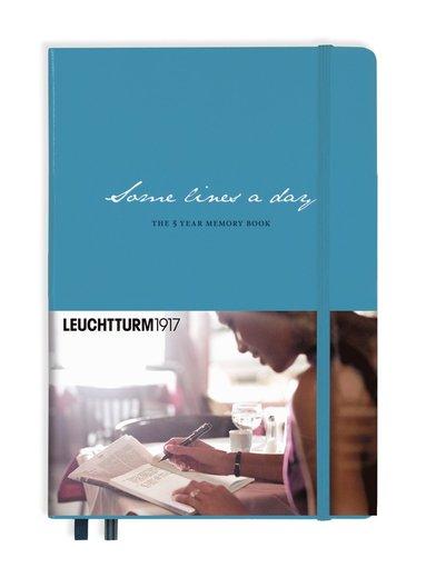 Dagbok 5-års A5 Leuchtturm Some lines a day ljusblå 1