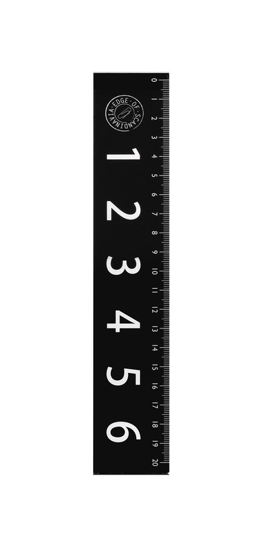 Linjal 20cm akryl svart