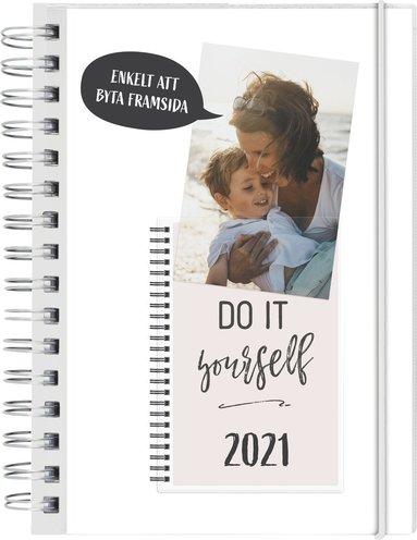 Kalender 2021 Dagbok 4i1 1