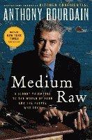 bokomslag Medium Raw