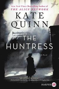 bokomslag The Huntress [Large Print]