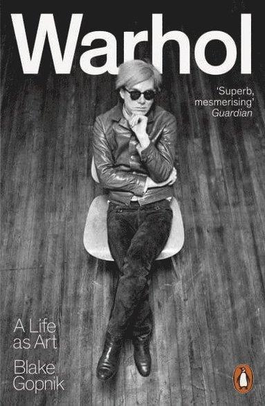 bokomslag Warhol - A Life as Art
