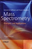 bokomslag Mass Spectrometry: Principles and Applications, 3rd Edition