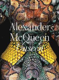bokomslag Alexander McQueen: Unseen