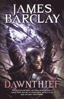 bokomslag Dawnthief: Chronicles of the Raven 1