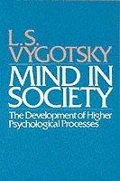 bokomslag Mind in Society: The Development of Higher Psychological Processes