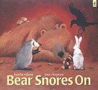 bokomslag Bear Snores On
