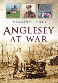 bokomslag Anglesey at War