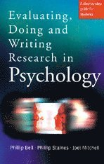 bokomslag Evaluating, Doing and Writing Research in Psychology