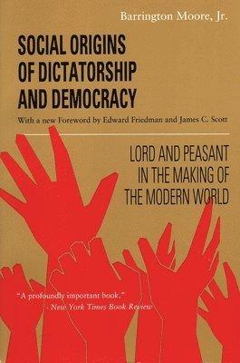 bokomslag Social Origins of Dictatorship and Democracy