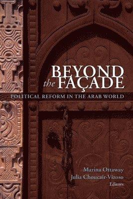 bokomslag Beyond the Facade