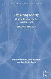 bokomslag Explaining Society