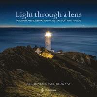 bokomslag Light Through a Lens