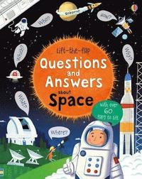 bokomslag Lift-The-Flap Questions and Answers About Space