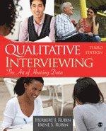 bokomslag Qualitative Interviewing: The Art of Hearing Data