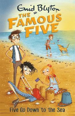 bokomslag Famous five: five go down to the sea - book 12