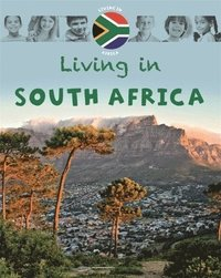 bokomslag Living in Africa: South Africa