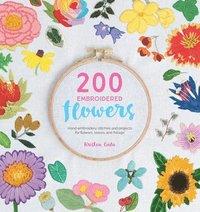 bokomslag 200 Embroidered Flowers