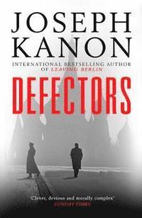 bokomslag Defectors