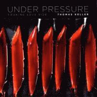bokomslag Under pressure - cooking sous vide