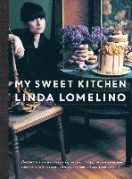 bokomslag My sweet kitchen - recipes for stylish cakes, pies, cookies, donuts, cupcak