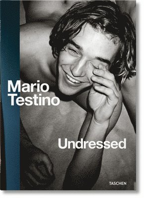 bokomslag Mario Testino Undressed