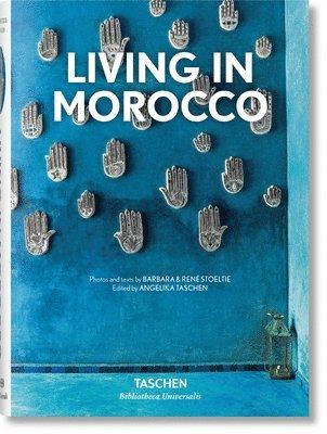 bokomslag Living in Morocco