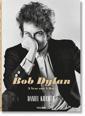 bokomslag Daniel Kramer. Bob Dylan: A Year and a Day