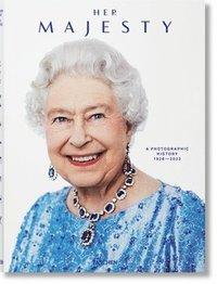 bokomslag Her Majesty. A Photographic History 1926-Today