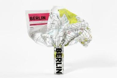 bokomslag Berlin Crumpled City Map