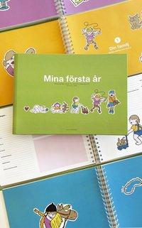 bokomslag Mina första år : från mammas mage till första sommarlovet : en fyll-i-bok