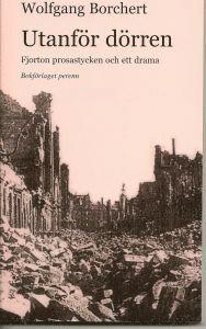 bokomslag Utanför dörren : fjorton prosastycken och ett drama