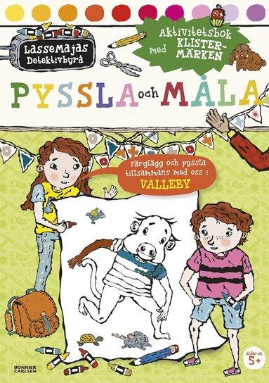 bokomslag Pyssla och måla : aktivitetsbok med klistermärken