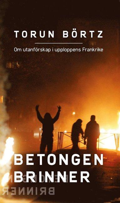 bokomslag Betongen brinner
